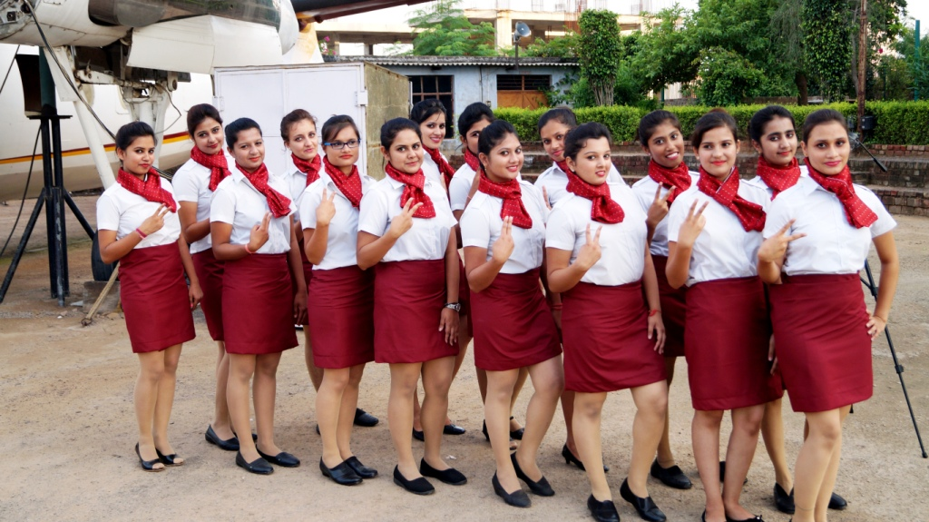 ambition of airhostess Air cabin crew / air hostess job description: the role of an air cabin crew member is to provide excellent customer service to passengers while ensuring their comfort and safety throughout the flight they are trained to deal with security and emergency situations.